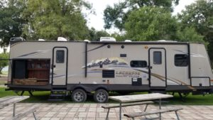 Lacrosse 394, rv rental, trailer rental